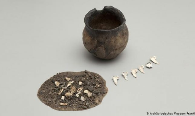 2 early medieval cremation frankfurt